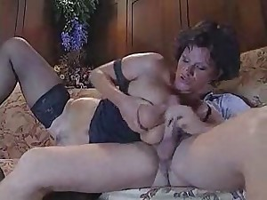 italian aged aunty fucking with juvenile man