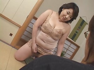 aged japanese mom crave cumm!!