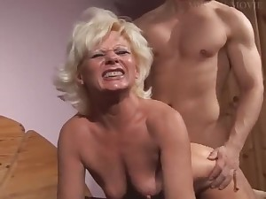 Sexy German Mommy With Her Still Cum-hole