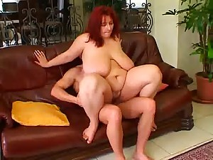Older BBW -Blanka receive fucking on the couch