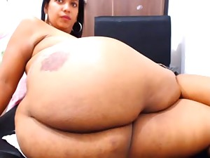 Showing Off Her Butt On Livecam