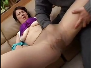 Oriental Milf, tempted on ottoman