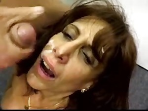 Older bitch facefucked