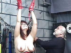 Brunette hair in a corset with blindfold acquires her fur pie tortured with clamps