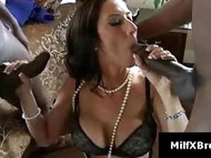 Breasty brunette hair mama gives oral-job in interracial 3some