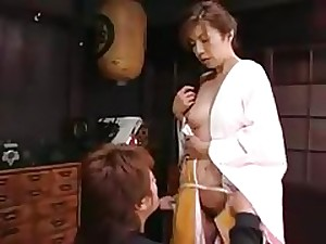 Japanese Mamma Seduces Teen