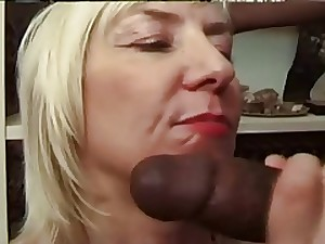 french older granny acquire bbc anal culo troia