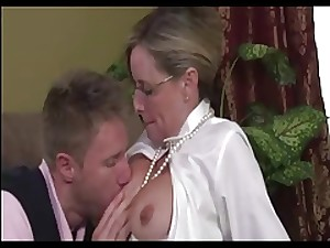 Mamma In Spectacles Finds His Porn And Teaches Him Strict