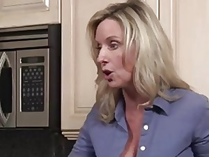 Stepmother Can't Resist - Xer07