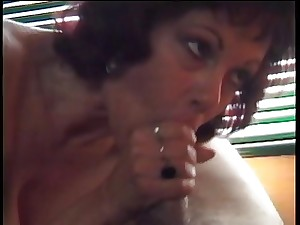 Milf gives oral-job