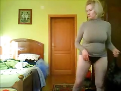 Forenoon time. Hidden livecam in sleeping room of my precious mommy